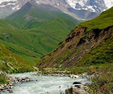 ushguli-river-1
